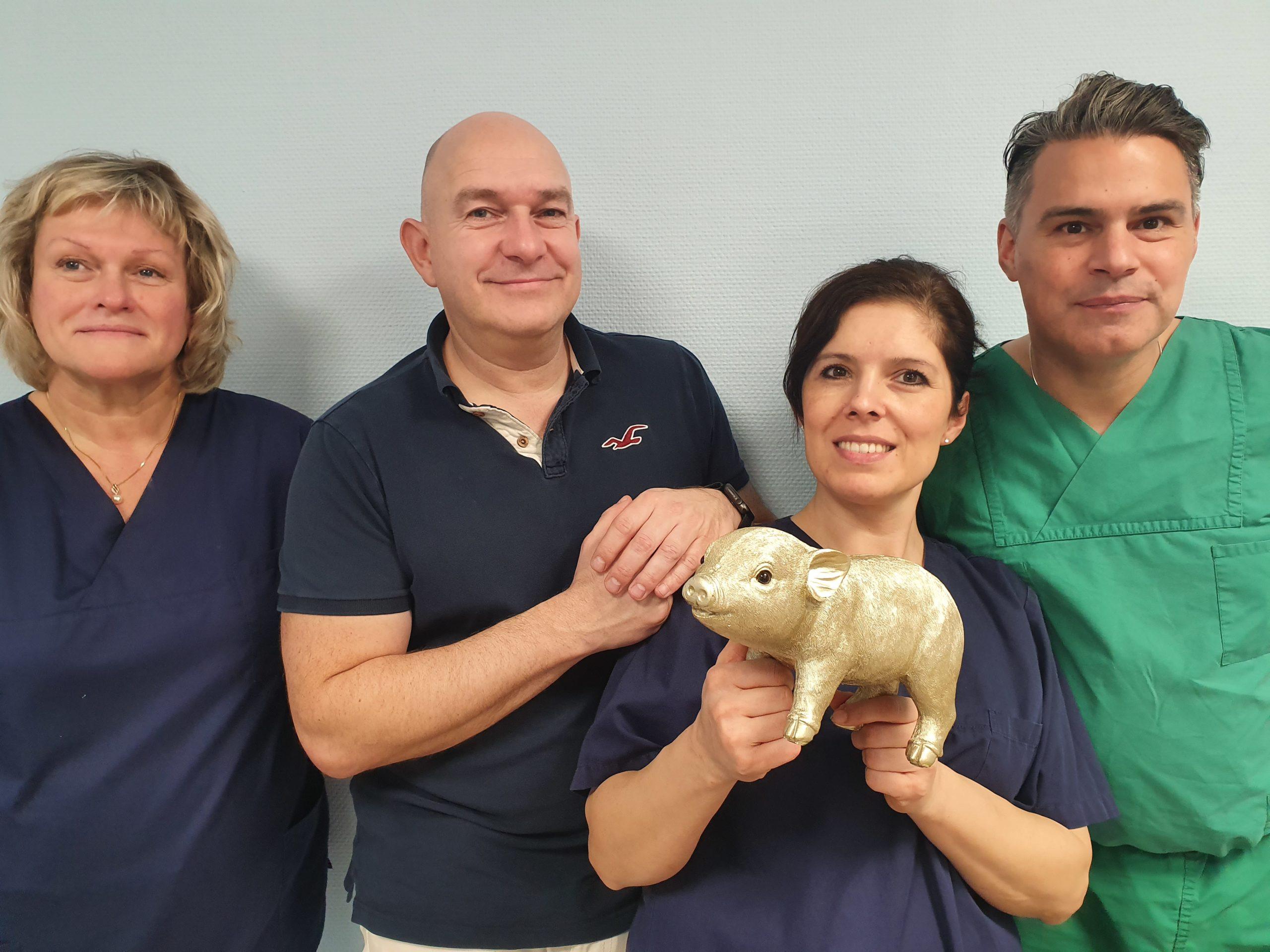 Schweinchen scaled | zoum.de | Team spendet Trinkgeld